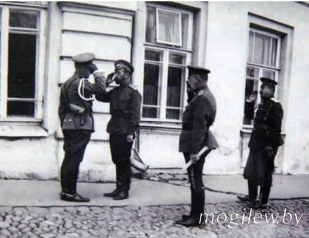 Переезд Ставки Верховного главнокомандующего из Барановичей в Могилев. Перемены в руководстве Ставки.